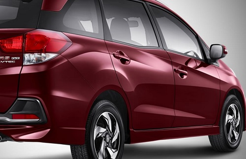 Desain Honda Mobilio RS