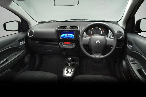Interior Mitsubishi Mirage