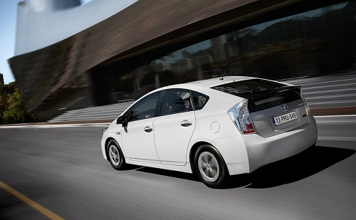 Review Toyota Prius