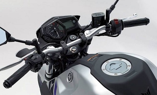 Fitur Yamaha MT-03