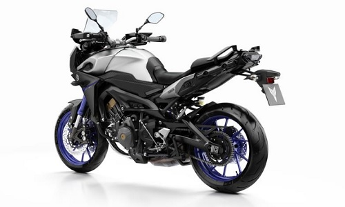 Review Motor Yamaha MT-09 Tracer