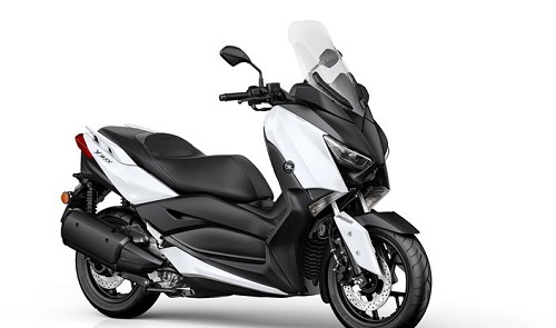 Review Yamaha X-MAX 300