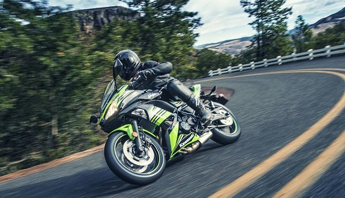 Review Kawasaki New Ninja 650 SE