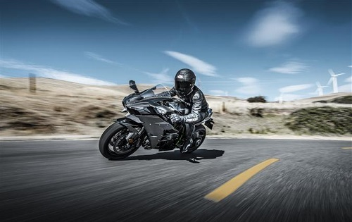 Spesifikasi dan Harga Kawasaki Ninja H2 Carbon