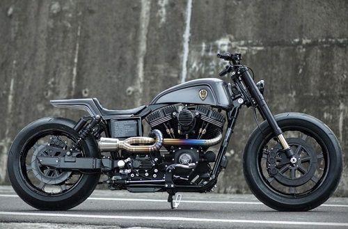 Harley-Davidson Dyna Street Bob - Winston Yeh