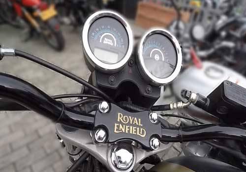 Fitur Motor Royal Enfield Rumbler 500