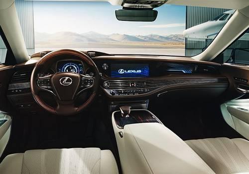 Fitur Mobil Lexus LS