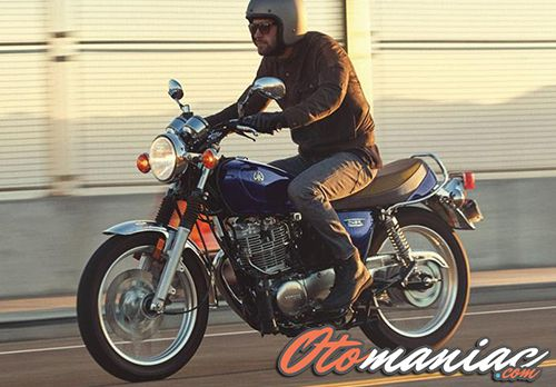 Review Yamaha SR400