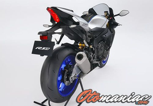 Performa Yamaha R1M
