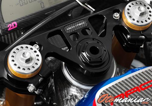 Fitur BMW HP4 Race