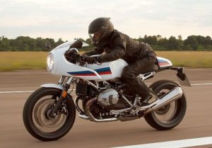 Posisi Riding BMW R Nine T Cafe Racer