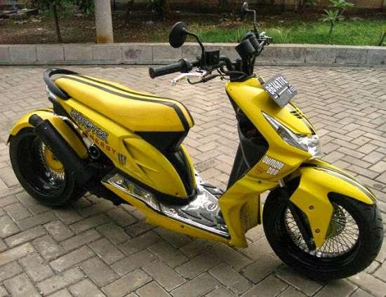 Modifikasi Motor Honda Beat Lowrider