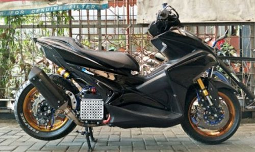 Modifikasi Yamaha Aerox Racing