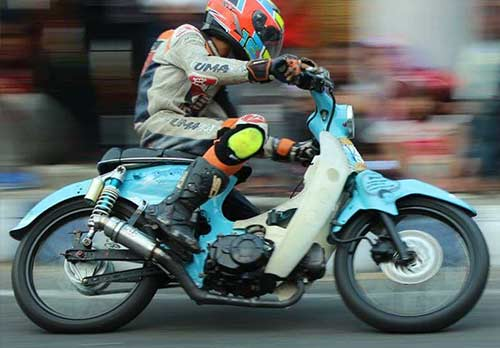 Modifikasi Honda C70 Racing