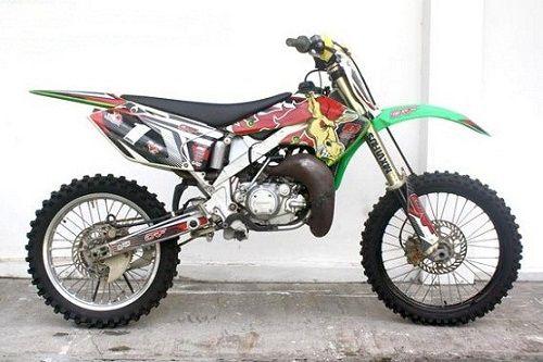 Modifikasi Kawasaki KLX AiIbrush