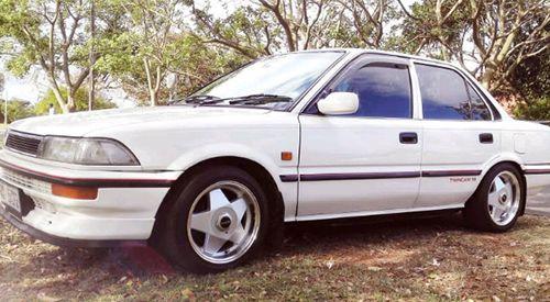 Mobil 30 Jutaan Terbaik Toyota Corola TwinCam