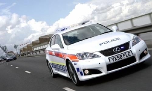 Mobil Polisi Tercepat Lexus IS-Force